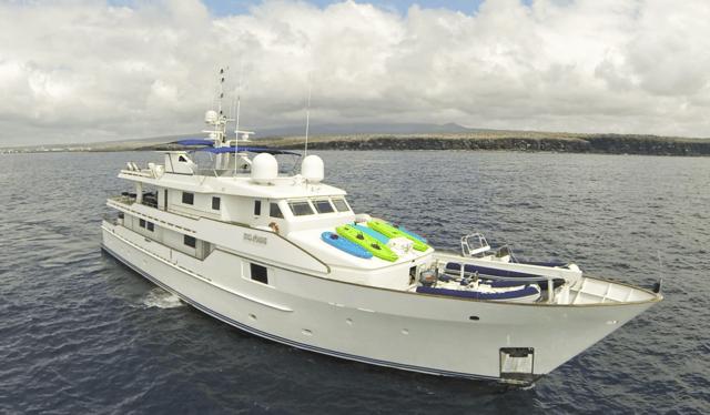 Galapagos Yacht Cruise on Stella Maris