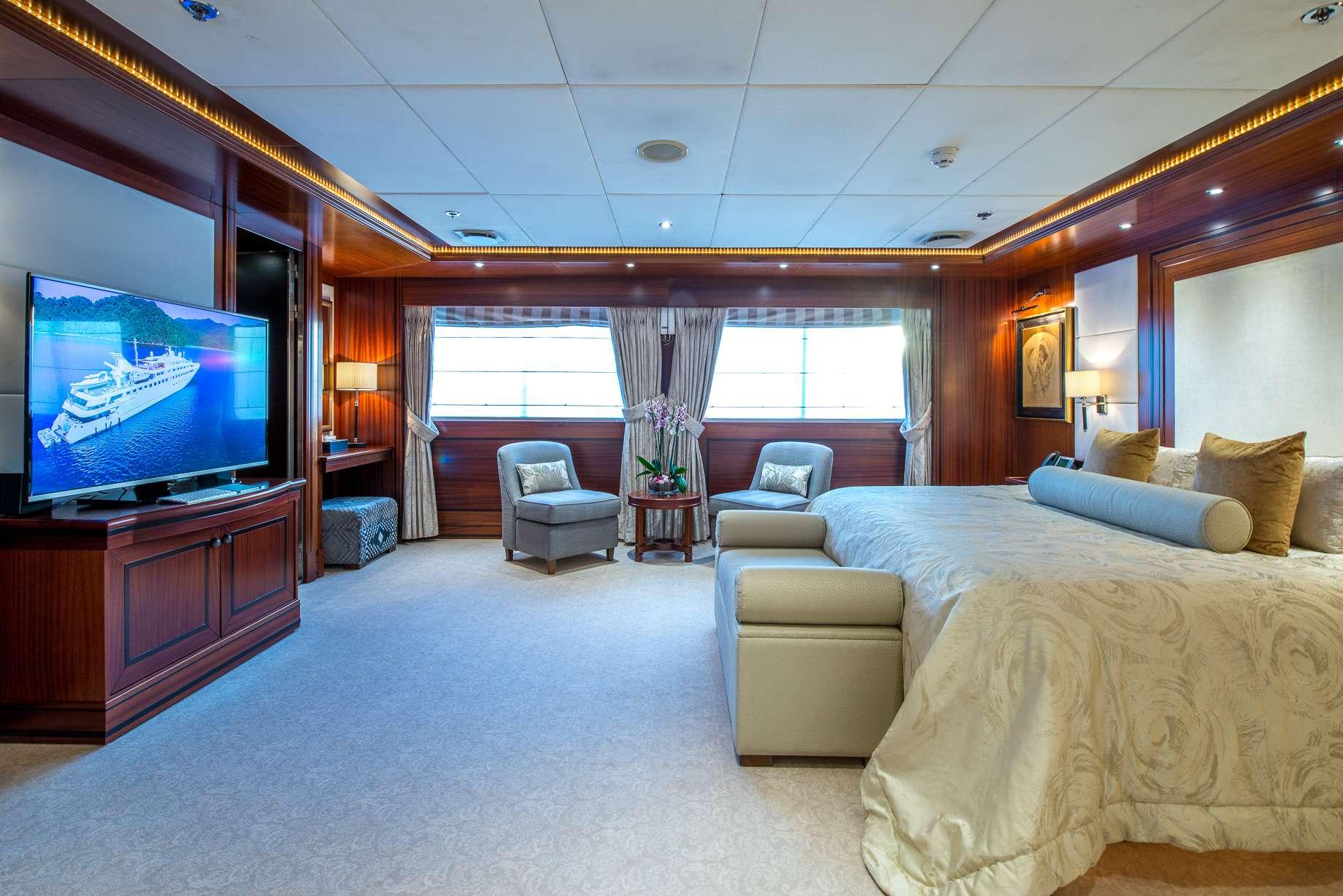 Motor Yacht 'LAUREN L' Master Stateroom, 40 PAX, 295.00 Ft, 90.00 Meters, Built 2002, Cassens Werft, Refit Year 2008/2015