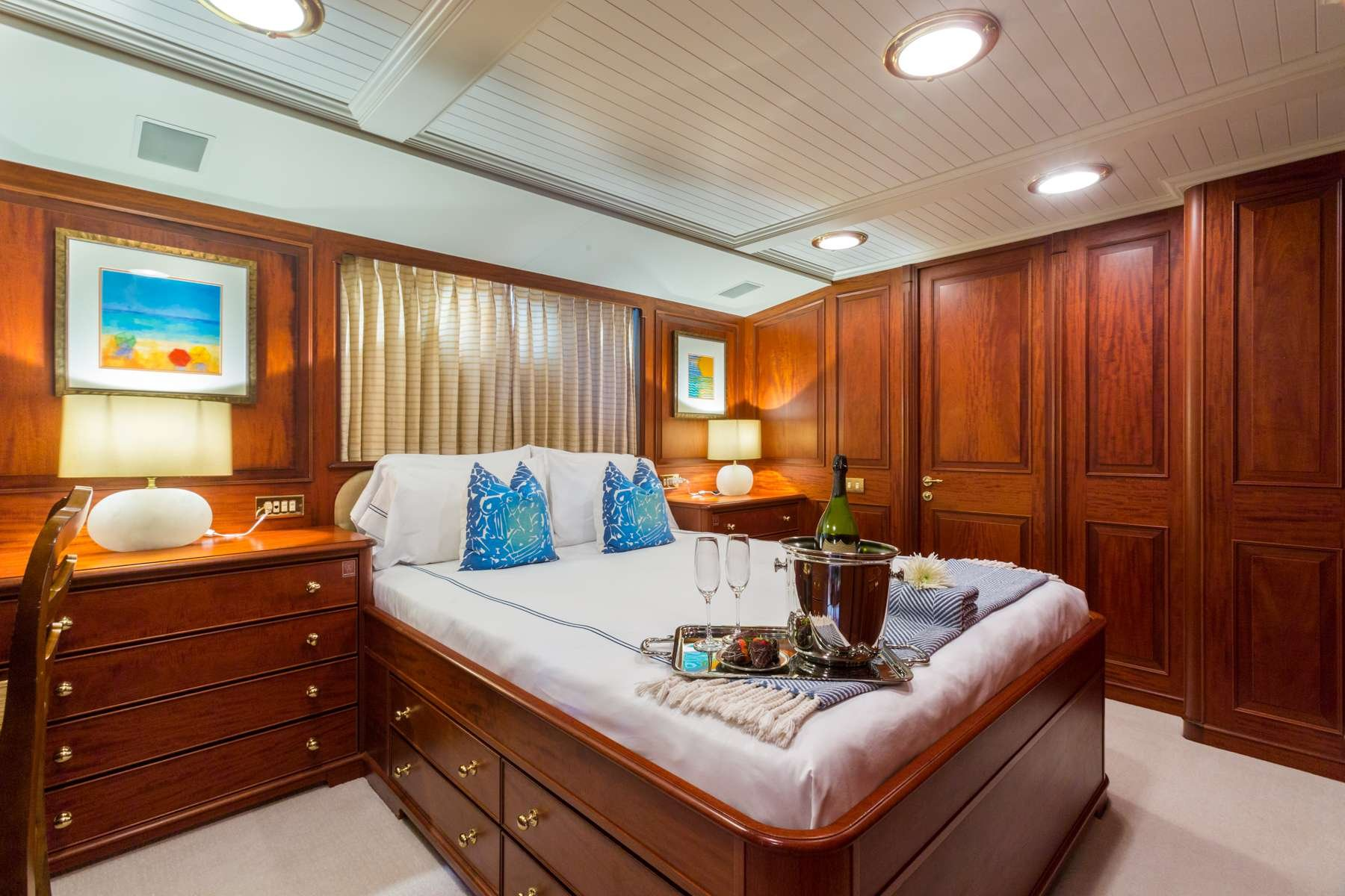 Motor Yacht 'LADY J' Queen Guest Stateroom, 12 PAX, 9 Crew, 142.00 Ft, 43.00 Meters, Built 1997, Palmer Johnson, Refit Year 2017