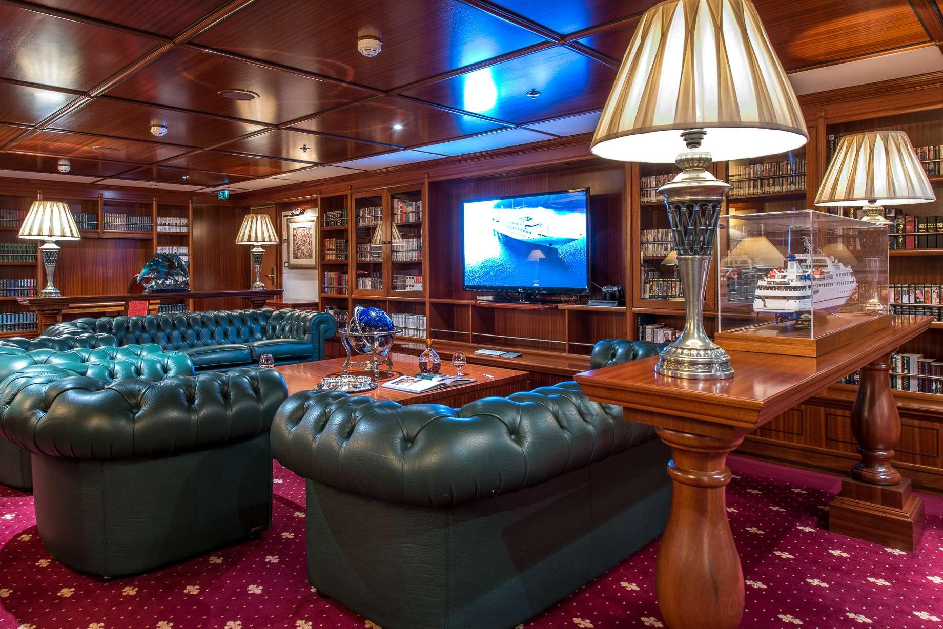 Motor Yacht 'LAUREN L' Library, 40 PAX, 295.00 Ft, 90.00 Meters, Built 2002, Cassens Werft, Refit Year 2008/2015