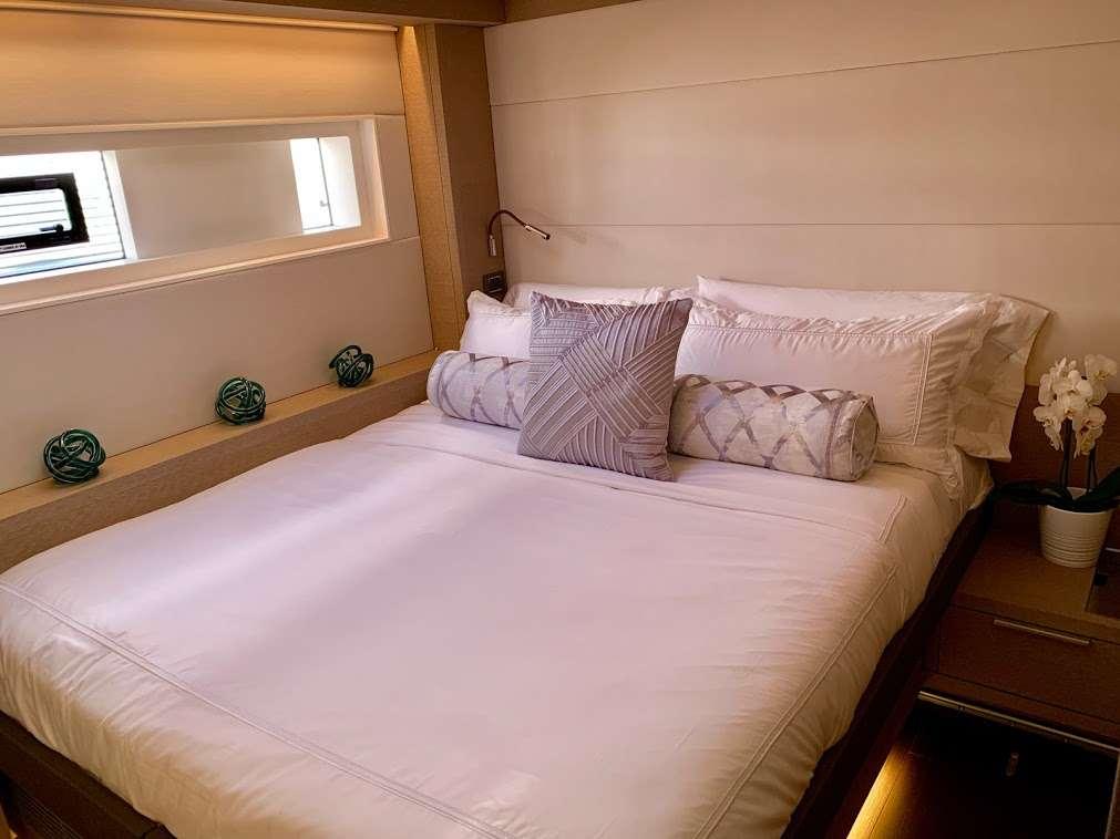 Catamaran Yacht 'TELLSTAR' Port Aft Stateroom, 8 PAX, 4 Crew, 77.00 Ft, 23.00 Meters, Built 2019, Lagoon