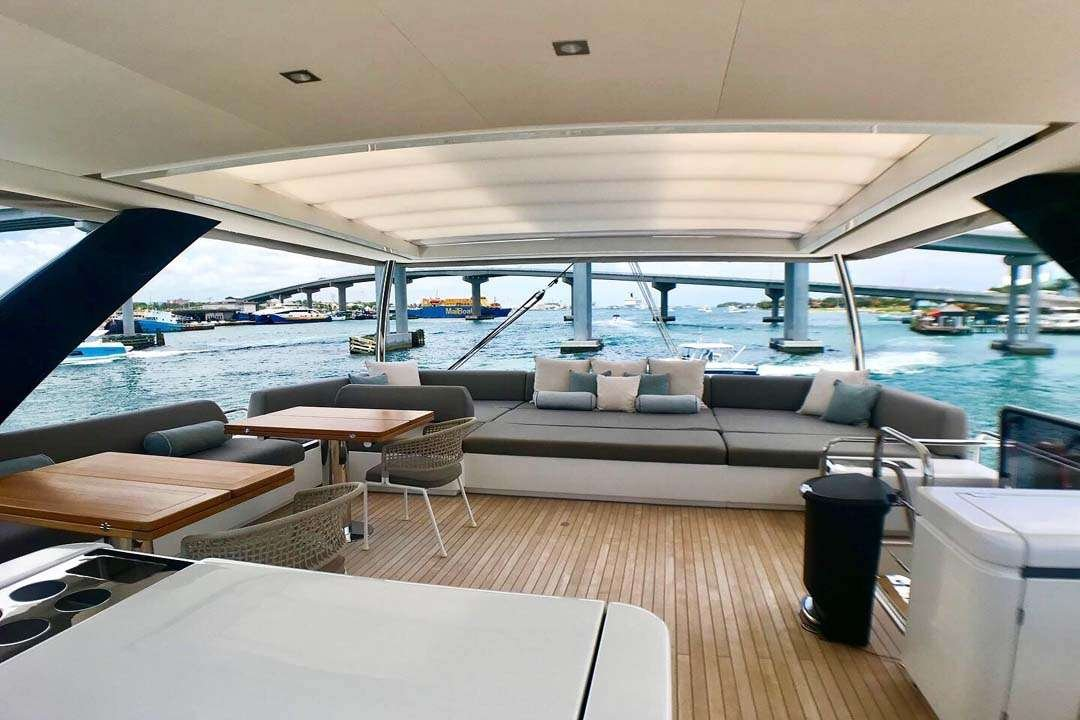 Catamaran Yacht 'TELLSTAR' Bright and Airy Salon, 8 PAX, 4 Crew, 77.00 Ft, 23.00 Meters, Built 2019, Lagoon