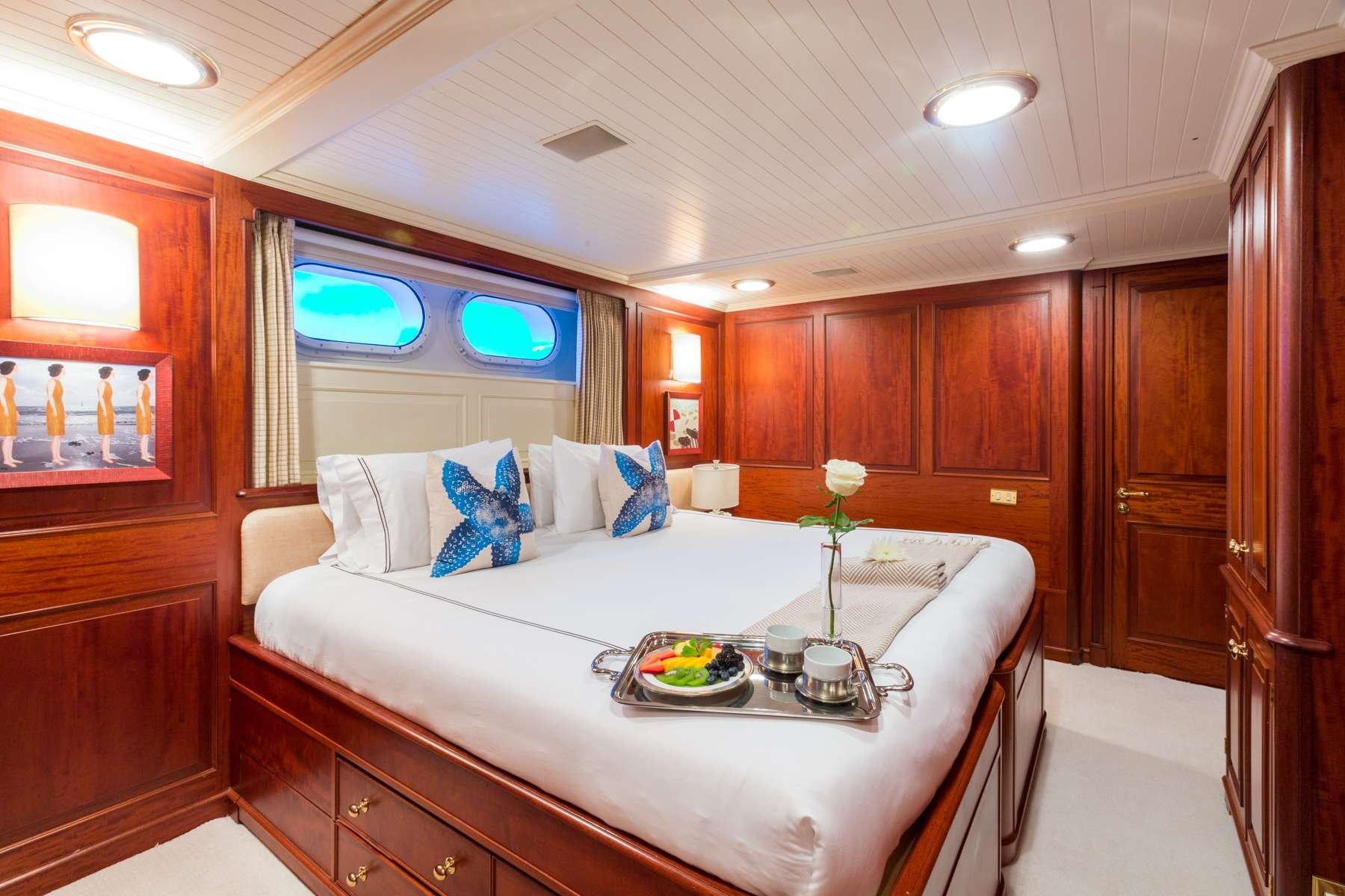 Motor Yacht 'LADY J' King-to-Twin Stateroom, 12 PAX, 9 Crew, 142.00 Ft, 43.00 Meters, Built 1997, Palmer Johnson, Refit Year 2017