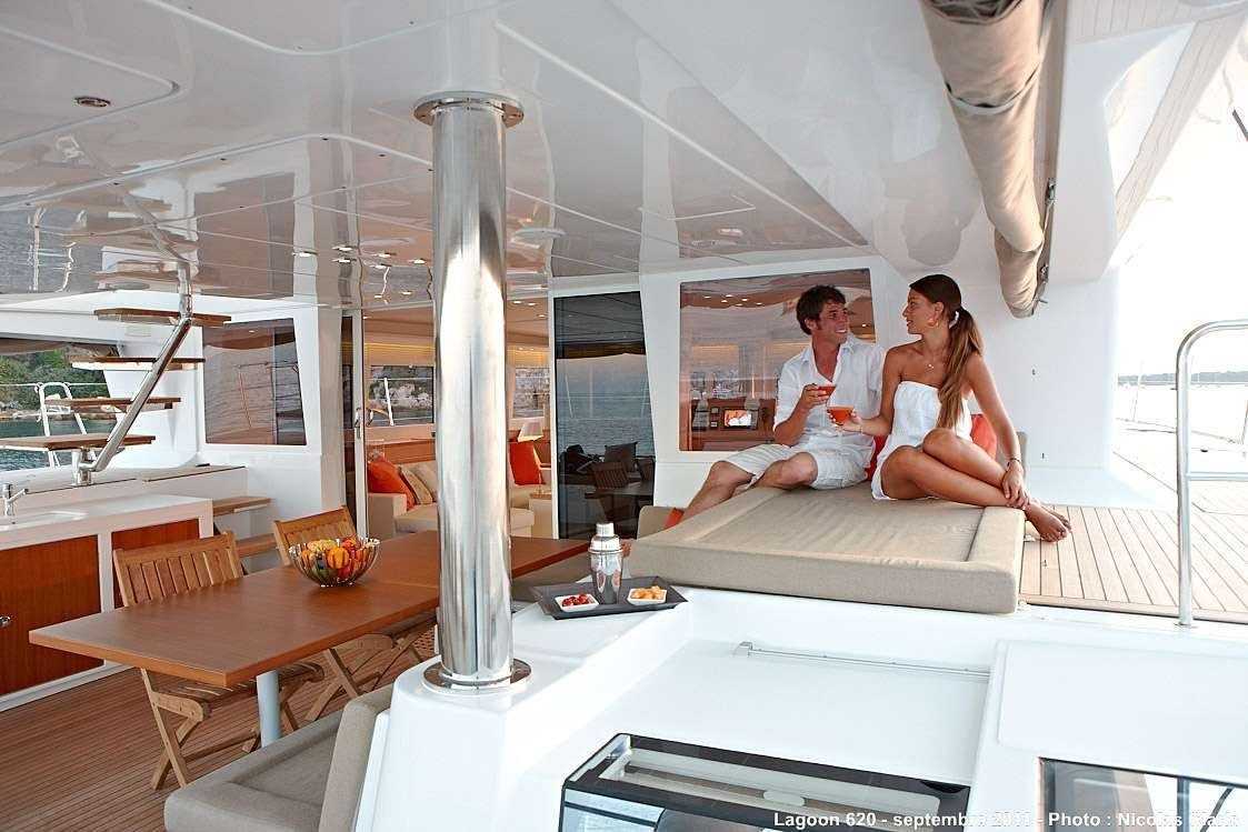Catamaran Yacht 'FIREFLY' Cockpit, 6 PAX, 3 Crew, 61.00 Ft, 18.00 Meters, Built 2011, Lagoon