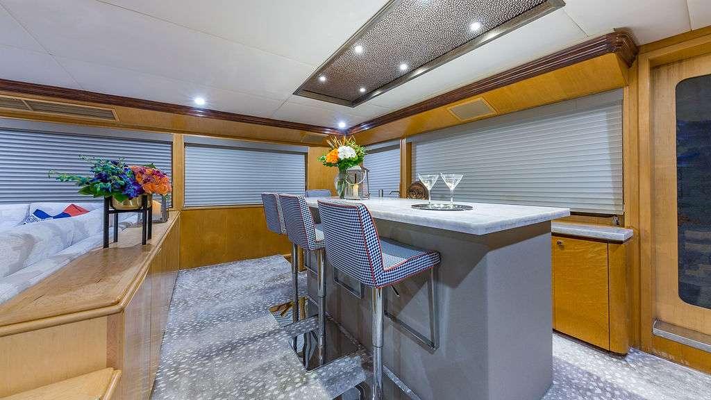 Motor Yacht 'ALEXANDRA JANE' Bar, 10 PAX, 4 Crew, 110.00 Ft, 33.00 Meters, Built 1995, Broward, Refit Year 2019