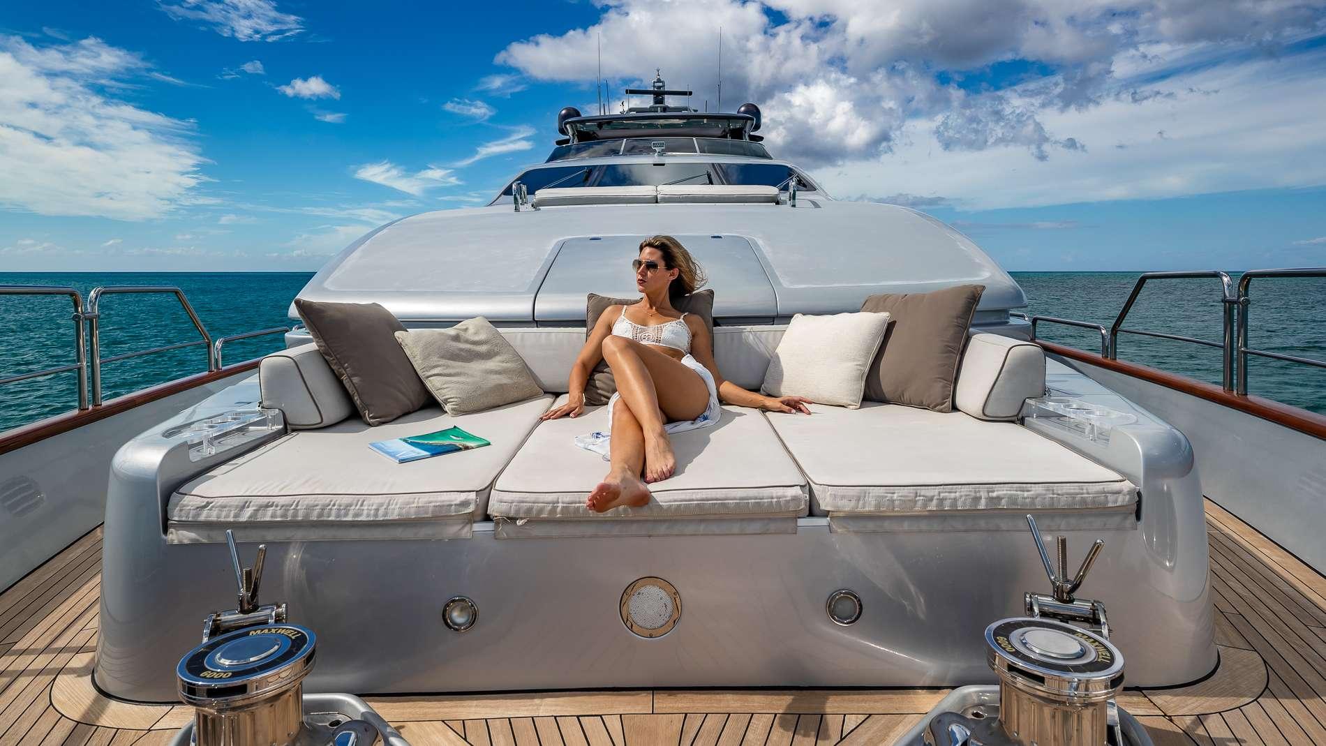 Motor Yacht 'TAIL LIGHTS' Guest en suite w/ shower, 12 PAX, 6 Crew, 116.00 Ft, 35.00 Meters, Built 2011, Azimut, Refit Year 2016