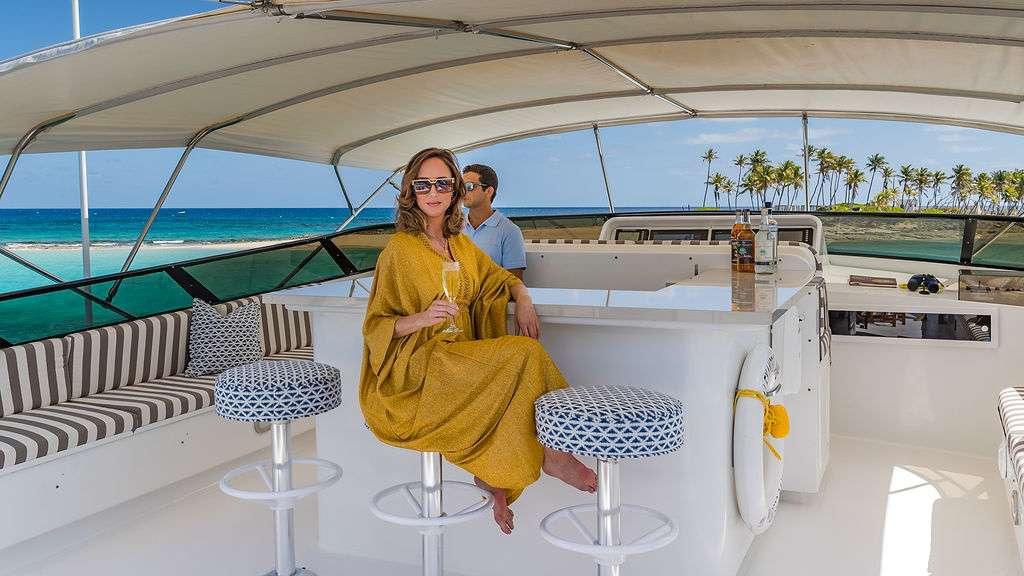 Motor Yacht 'ALEXANDRA JANE' Flybridge Bar, 10 PAX, 4 Crew, 110.00 Ft, 33.00 Meters, Built 1995, Broward, Refit Year 2019