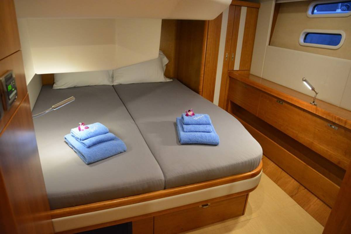 Sailing Yacht 'MOJEKA' Guest Stateroom, 6 PAX, 2 Crew, 56.00 Ft, 17.00 Meters, Built 2014, MOODY