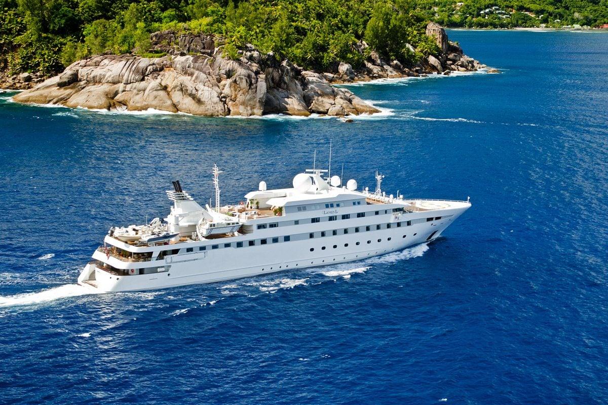Motor Yacht 'LAUREN L', 40 PAX, 295.00 Ft, 90.00 Meters, Built 2002, Cassens Werft, Refit Year 2008/2015