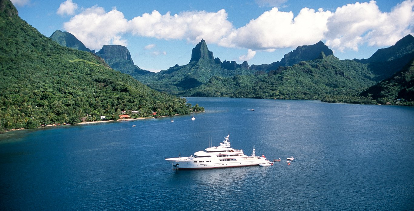 Luxury superyacht charter in south pacific