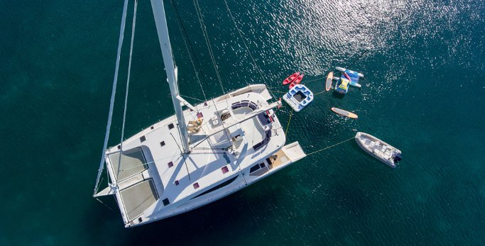 St. Thomas Crewed Catamaran Charter – Free Excursions