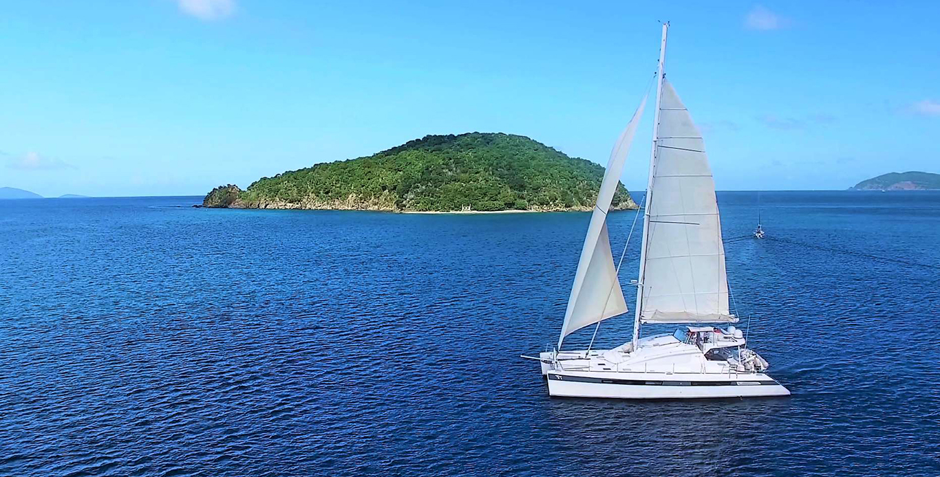 St. Thomas Catamaran Charter on Luar